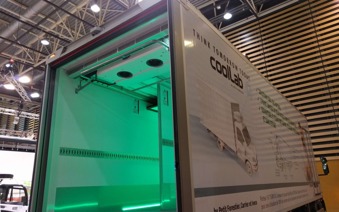 Rideau d' air BlueSeal in Petit Forestier CoolLab vehicle