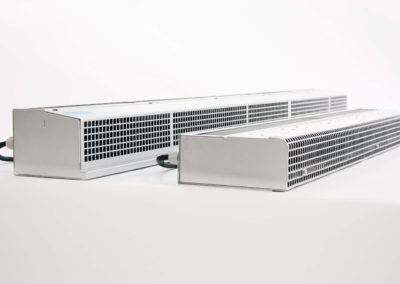 Air curtain for refrigerated truck and air curtain for refrigerated van