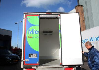 Luchtgordijn BlueSeal in Miedema koelwagen CarHar
