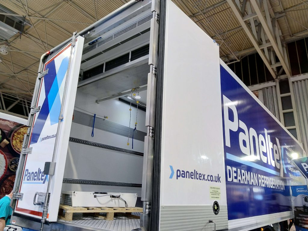 Air curtain in Panelxtex refrigerated truck